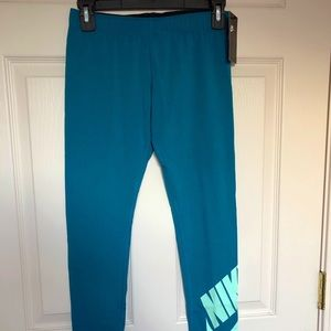 Nike Girls Pant in Size L